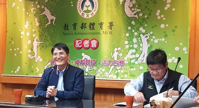 體育署署長高俊雄(左)。(陳筱琳攝)