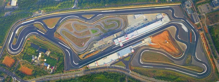 麗寶國際賽車場的G2賽道全長3.5公里,共有2條直線加速路線及9個左彎、14個右彎,將開放給自行車友挑戰。(王文吉翻攝)