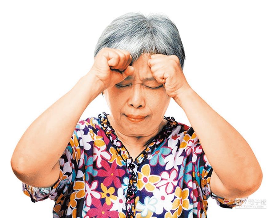 冬季老年人活動減少,應當特別注意預防心血管疾病的發生。(本報系資料照片)