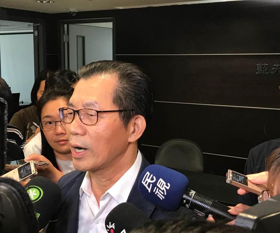 環保署長李應元請辭獲准,今受訪表示「空污無風不能抗拒上天」。(資料照片)