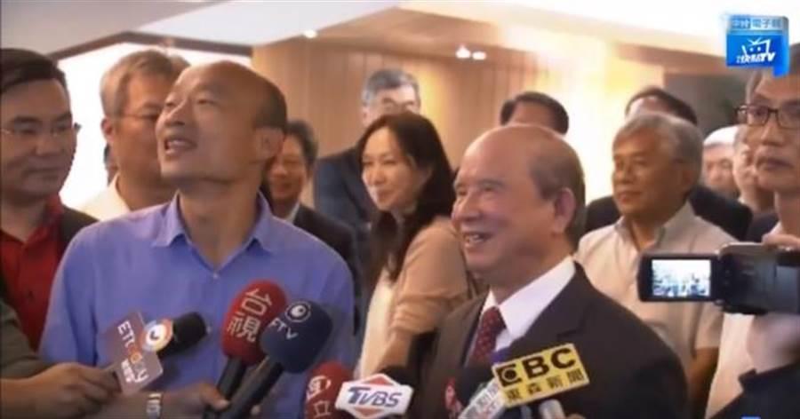 新科高雄市長韓國瑜偕同夫人李佳芬,前往拜會義聯集團創辦人林義守。 (翻攝中時電子報直播影片)