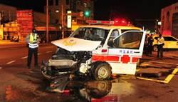 休旅車疑未禮讓救護車 撞救護車 2歲童傷勢重