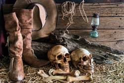 影》超耐穿!觀光勝地驚現500年男屍 皮靴未腐爛