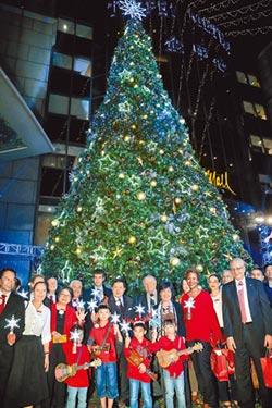 徐旭東點燈 40呎耶誕樹閃耀敦南商圈