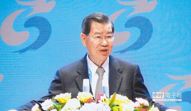 前副總統、兩岸企業家峰會台方理事長蕭萬長表示,兩岸企業應追求升級版合作,並點出五大方向建議。(記者吳泓勳攝)