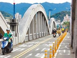 平息民怨 三峽拱橋擬單邊施工