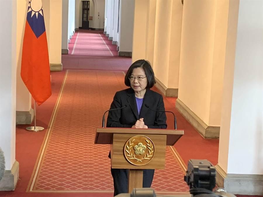 總統蔡英文發表迴廊談話。(彭媁琳攝)