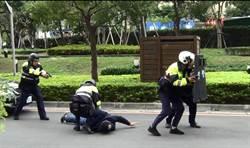 中和警攔截圍捕  飛車追逐 路過民眾圍觀