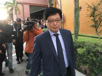 鈕性侵案律師胡原龍今遭解任 又幫吸金集團站台遭訴
