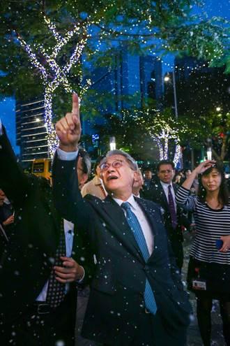 仁愛圓環下雪了 台新金耶誕點燈浪漫白雪北歐風