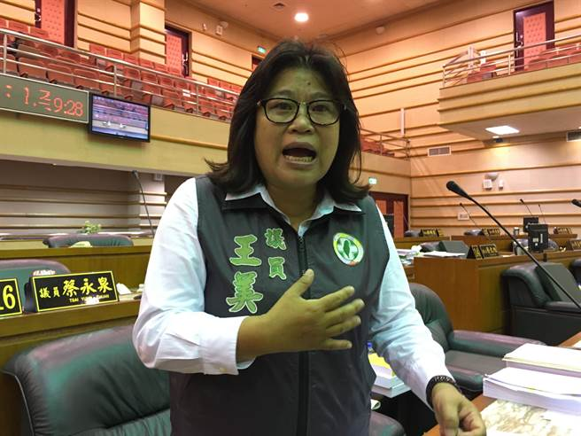 民進黨嘉義市議員王美惠認為涂市長「要走得漂亮」。(廖素慧攝)