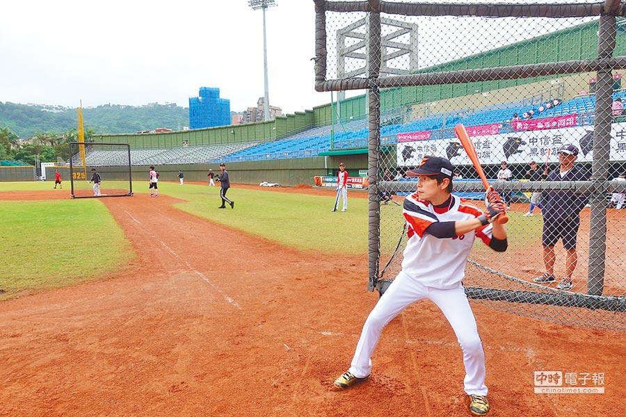 孫協志將領軍出戰韓國明星棒球隊,坦言壓力很大。