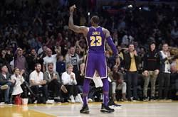 NBA》詹皇攻佔官方MVP榜首 柯瑞回升第2