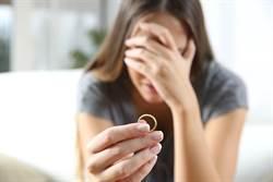 結婚1年多老公中風昏倒 妻「責任盡了」求離婚