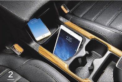 2.中央扶手置物空間深度夠,可直放平板。(Honda Taiwan提供)
