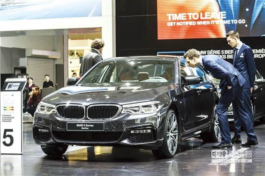 中國大陸打算調降美國汽車進口關稅從目前的40%再降至15%。(美聯社)