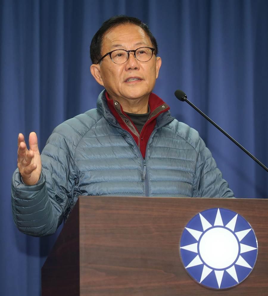 台北地院公布台北市長選舉驗票結果,國民黨市長候選人丁守中出面回應,指投票存在許多非法領票情形,對於他的選票影響很大。(陳君瑋攝)