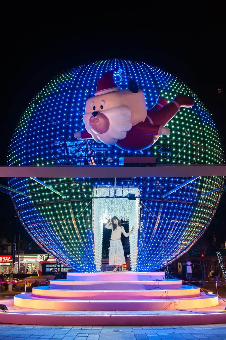 「幻彩星系」燈區的巨型LED球體藝術裝置「迷幻星球」。