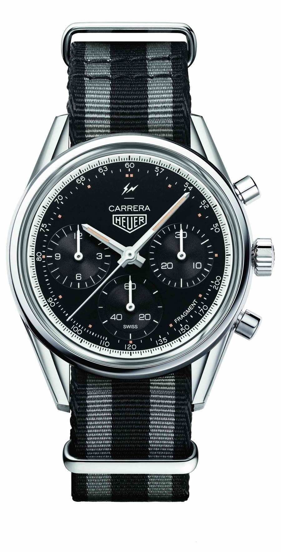 泰格豪雅Carrera Heuer-02 X藤原浩Fragment聯名計時腕表,可搭黑灰相間NATO表帶和黑色鱷魚皮表帶,26萬5800元。(TAG Heuer提供)