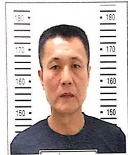 小心這人!台南襲警犯曝光 警呼籲民眾看到他報警