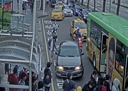 中市全國首創智慧化科技執法 車輛違停公車停靠區將取締
