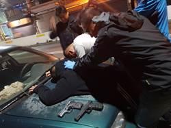 影》債務糾紛?雙槍20發子彈轟仇家 2開槍少年遭逮
