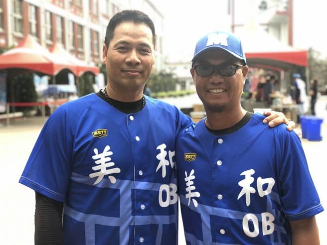 陳瑞昌(左)將任統一一軍投捕教練,右為蕭任汶。(中央社資料照)