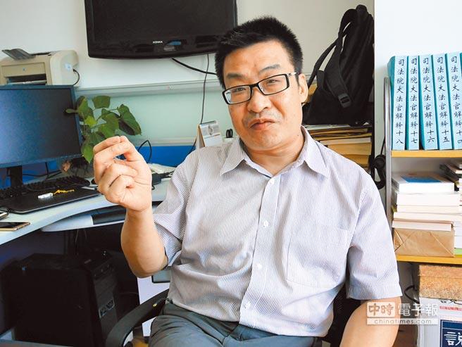 朱松嶺表示,陸方安排陳雲林赴台弔唁,是最合適的人選。(本報資料照片)