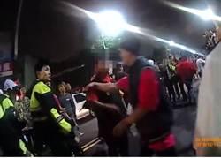 蘆洲廟會百人大亂鬥 30名快打警力控制場面