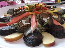 貢寮鮑肥美正好食 風味餐、鮑魚拉麵讓饕客們食指大動!