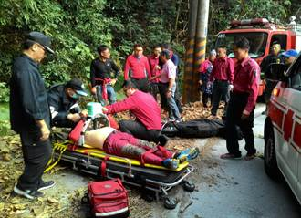 影》韓旅行團屏東玩飛行傘 一男子摔落山崖送醫急救