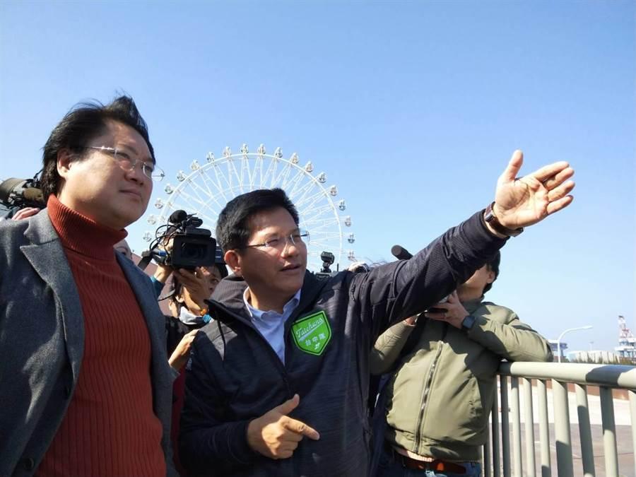 基隆市長林右昌(左)17日參觀台中港三井OUTLET PARK,由台中市長林佳龍(右)接待陪同。(陳淑娥攝)