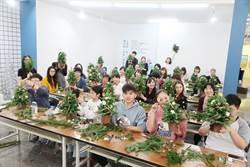 富宇社區喜迎耶誕 住戶手作幸福耶誕樹