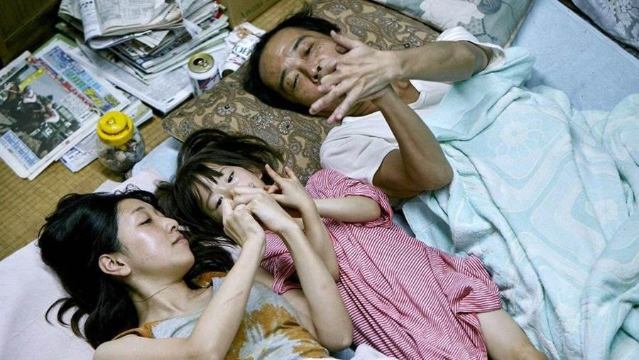 是枝裕和的《小偷家族》代表日本競爭奧斯卡最佳外語片。(翻攝自網路)
