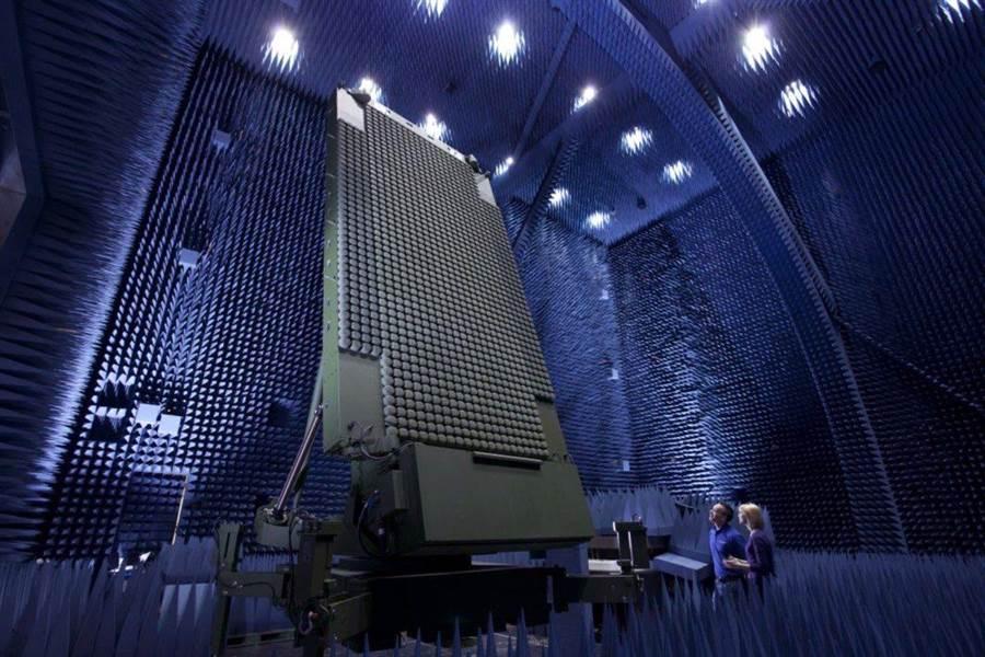 洛馬公司新推出最新反隱形雷達TPY-X在實驗室內進行測試。(圖/洛馬公司)