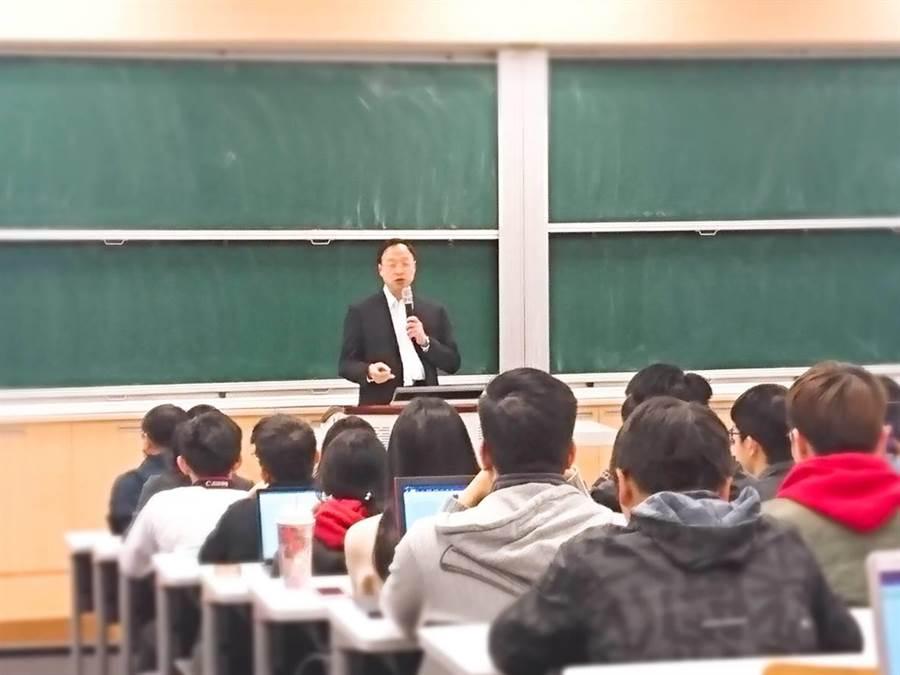 前行政院長江宜樺今受邀回台大演講。(李侑珊攝)