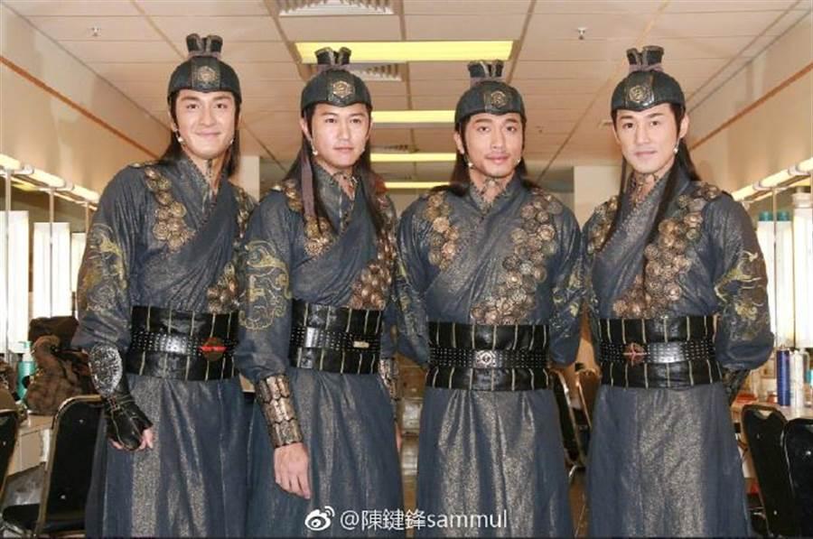 「少年四大名捕」左起馬國明、陳鍵鋒、吳卓羲、林峯。(圖/翻攝自微博)
