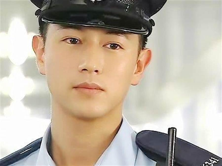 在TVB時期也是帥氣小生。(圖/翻攝自微博)