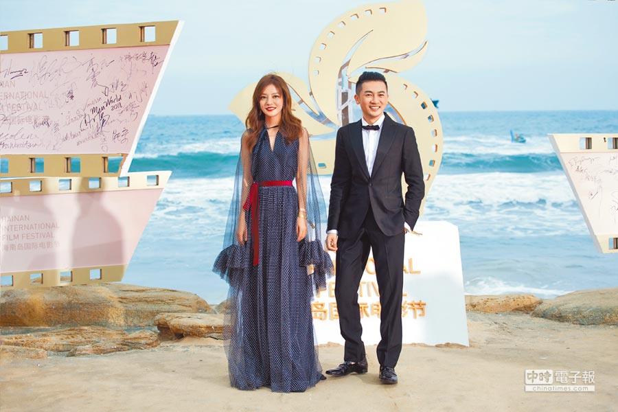 蘇有朋(右)和趙薇繼《中餐廳2》後再度並肩公開亮相。