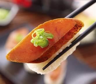 日本哈台土產 鳳梨酥稱霸 烏魚子、牛軋糖最實用