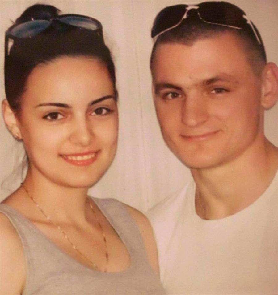 波維耶夫(右)慘遭前妻加亞卓娃「爆蛋」。(照片來源:EAST2WEST NEWS)