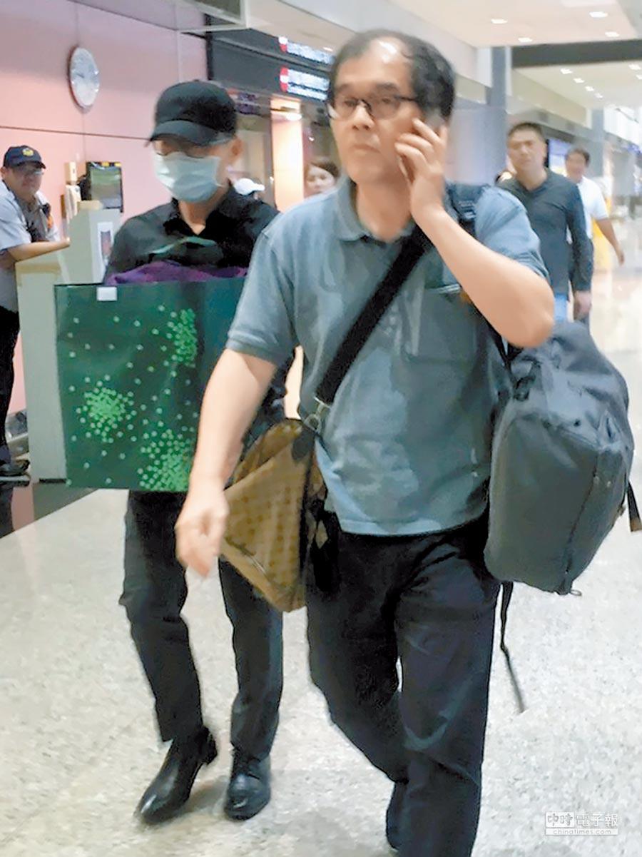 駐大阪辦事處處長蘇啟誠辭世,家屬9月17日晚間將他的骨灰低調抱回台灣。(本報資料照片)
