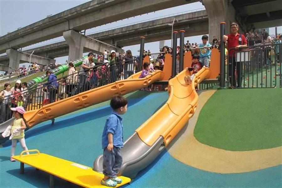 大台北都會公園驚傳民眾玩溜滑梯時導致左腳踝骨折。(圖/取自中時資料庫)