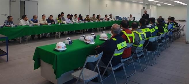 台中市副市長林陵三雖將卸任,仍期許工作人員繼續努力,朝完工通車的目標邁進。(盧金足翻攝)