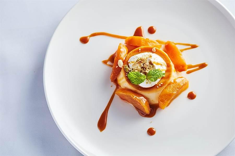 〈焦糖柿子布丁〉是用當令紅吃的柿子作出的甜點。(圖/天蔥國際)