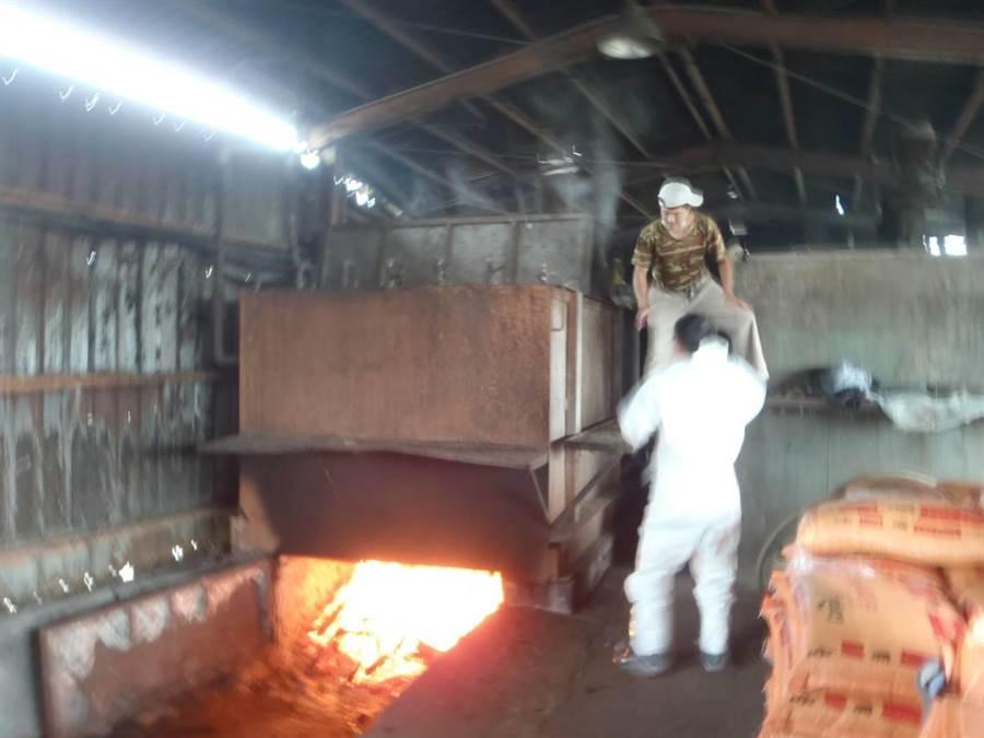 桃園市嚴格管控所有廚餘均得在90度以上高溫持續蒸煮1小時以上,確保有效殺死病原。(動保處提供)