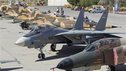 伊朗基斯島航空展:F-14戰機僅剩的飛行秀