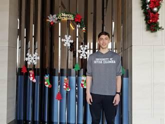 籃球》譚傑龍大一號 所屬大學明年打瓊斯盃
