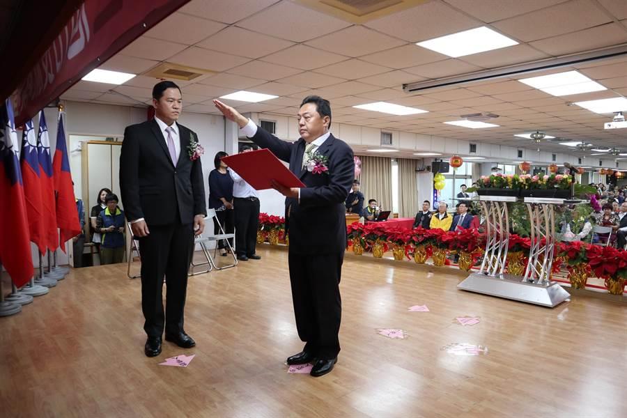 員林市長游振雄宣誓就職。(謝瓊雲攝)