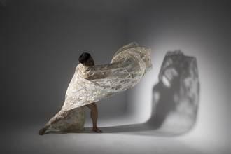 吳義芳舞舞舞 皮膚、骨頭都能跳舞